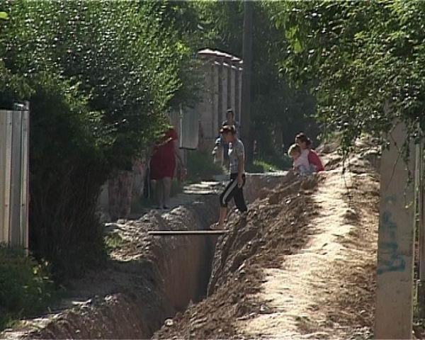 В Кайнар булак начали проводить воду